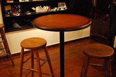 椅子やテーブル.jpg