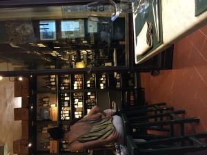 ピッティ宮前のワイン屋